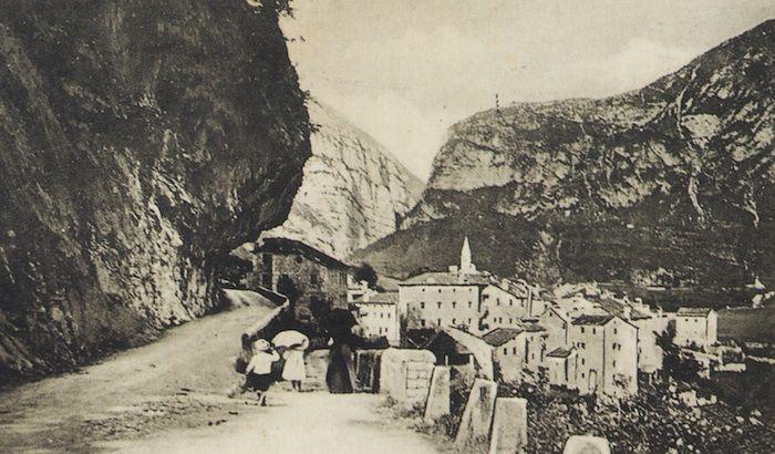 Vista di Pirago (cartolina di Pompeo Breveglieri, del 1906)