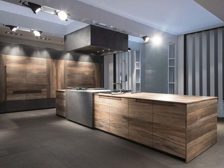 Cucina in faggio con isola toncelli cucine interior for Cucine bellissime moderne