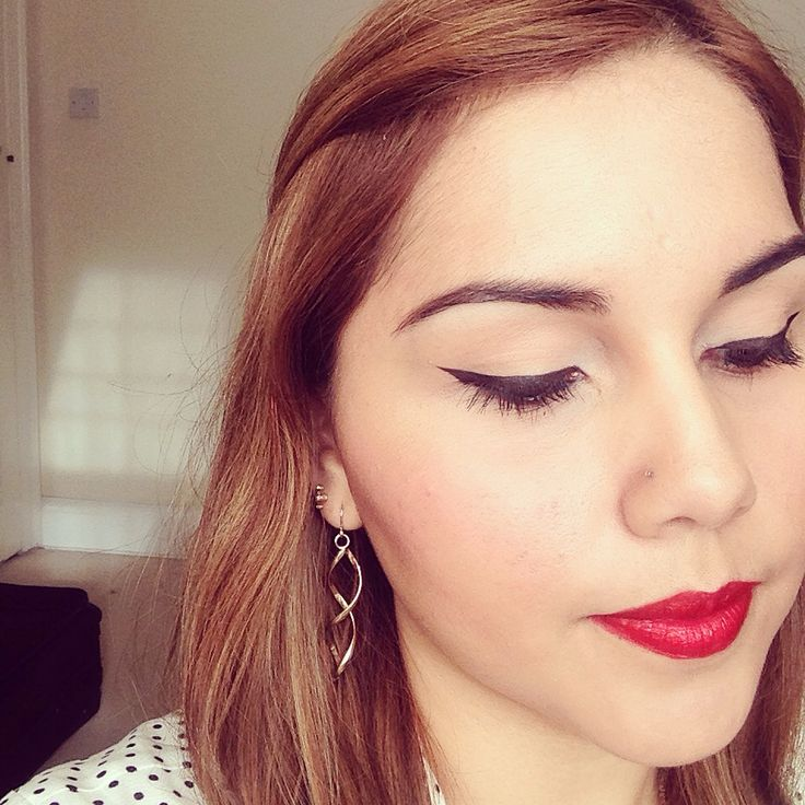 Red lips and cat eye