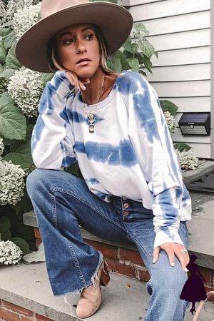 LLevar una prenda tie dye con unos pantalones acampanados, es lo ideal para rememorar un look bohemio. #tiedye #modahippie Moda Hippie, Moda Boho, Estilo Hippy, Boho Style, Boho Fashion, Tie Dye, Outfits, Gifs, Bohemian Look