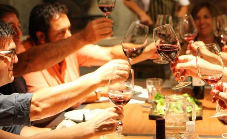 Combine el disfrute de la #gastronomia y los mejores #vinos locales, con un #viaje de #placer, recorriendo hermosos lugares, como Salta, Mendoza, Buenos Aires y Santiago de Chile. Tenemos las mejores #experiencias para los amantes del vino y la #comida. Contáctenos y haremos una propuesta a medida para Usted! #gourmet #vinos #vino #viñedos #bodegas #viaje #viajes #experiencias #lugares #Mendoza #SantiagoDeChile #Salta #BuenosAires