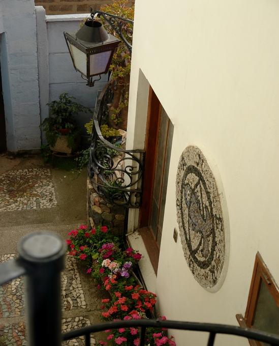 Lateral florida da casa de Pablo Neruda em Valparaíso