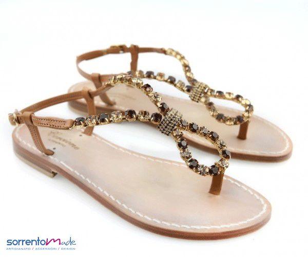 BENEDETTA Sandali artigianali realizzati a mano stile Positano, esclusivamente Made in Sorrento, diponibili in diversi colori.