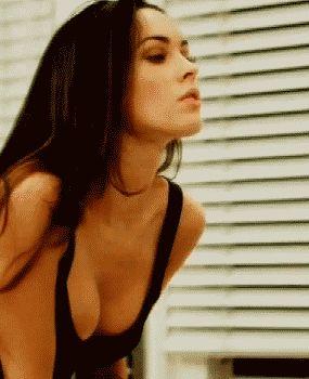 22 Hottest Megan Fox GIFs - Airows
