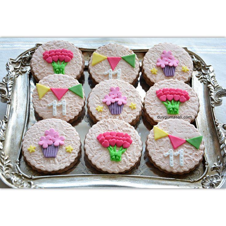 Simay'ın birbirinden sevimli doğum günü kurabiyeleri🎈 duygumasali.com #tagsforlikes #photooftheday #picoftheday #design #cookies #biscuit #kurabiye #butikkurabiye #11thbirthday #foodpics #sweet #dessert #delicious #fondant #yummy #like #colorful #edirne #edirnepasta #edirnekurabiye #edirnebutikpasta #edirnebutikkurabiye