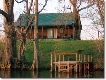 Riverbank Cabin 1 - On the Banks of Lower Mountain Fork River with lots of stocked Fishing Ponds