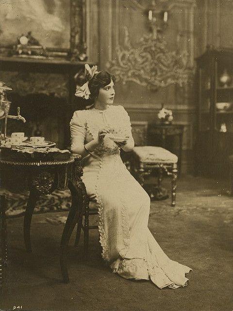 Teas Time, Vintage Photos, Vintage Teas, Fanny Ward, Afternoon Teas, Teas Sets, Vintage Beautiful, Vintage Travel Trailers, Victorian Era