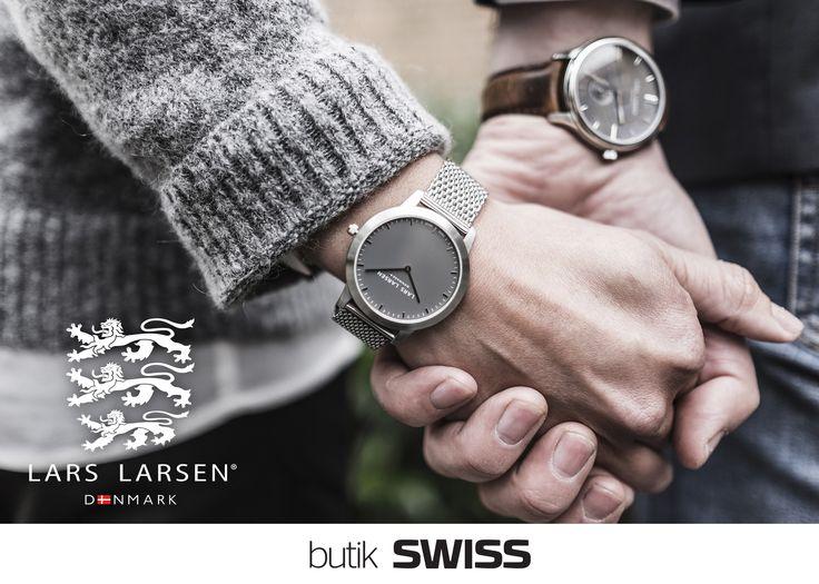 Lars Larsen to duńska firma z ponad wiekową tradycją i pasją do zegarków. Prezentuje unikalną kolekcję, która wyróżnia się wysoką jakością wykonania oraz wyjątkowym projektem. Rzemiosło zegarmistrzowskie w najlepszym wydaniu.. Proste: klasyczne, sportowe, eleganckie. Wśród kolekcji znajdują się zarówno zegarki damskie jak i męskie ręcznie wykonane i zmontowane w Danii lub Szwajcarii. Nowa marka Lars Larsen dostępna od dziś w salonie SWISS w Porcie Łódź! Zapraszamy!