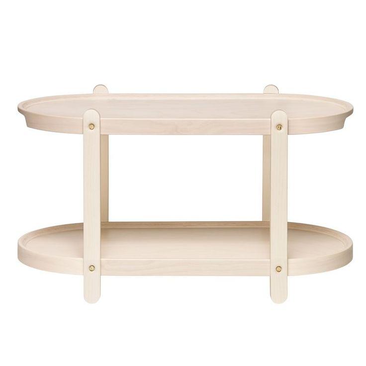 De kerros van iittala is een kruising tussen een plank en een tafel: een praktische bijzettafel of een handig dienblad met twee verdiepingen! Gebruik de kerros op het aanrecht als voorraadkastje of zet hem in de buurt van de bank voor tijdschriften!