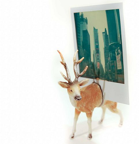 DIY Photo Holder Made Of A Deer Toy |