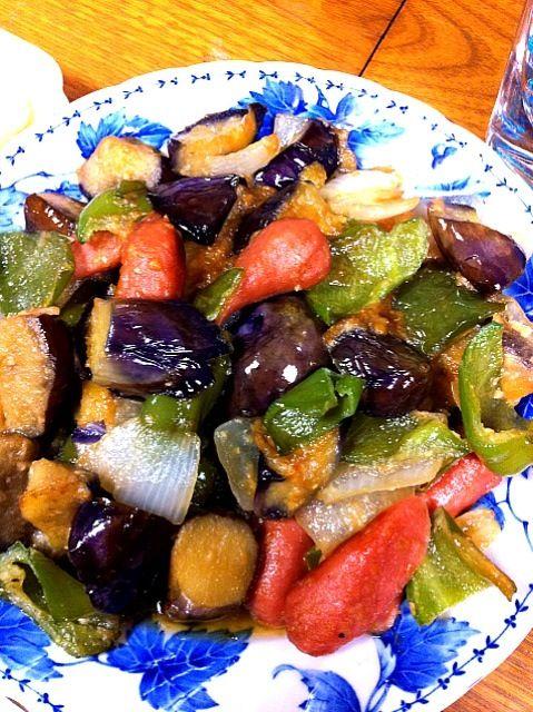 茄子、新玉葱、ピーマン、ソーセージが入っております - 0件のもぐもぐ - 茄子味噌炒め by yumama