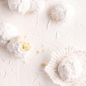 Lumipallo-pikkuleivät / Snowball biscuits / Kuva/Photo: Sampo Korhonen/Otavamedia