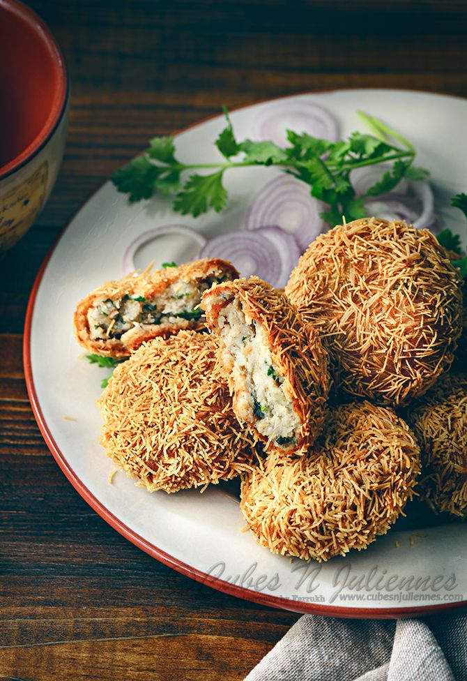Fish kebabs flavoured with spices and coated with vermicelli to give it a gorgeous crisp outer blanket. This kebab is one such snack which is a must make