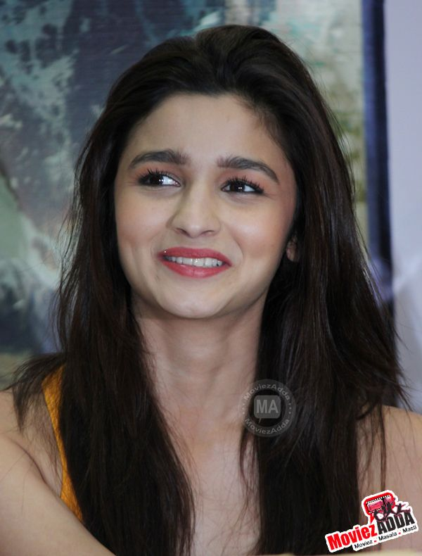 Alia Bhatt Pictures, Latest Photos & Pics only on moviezadda.com