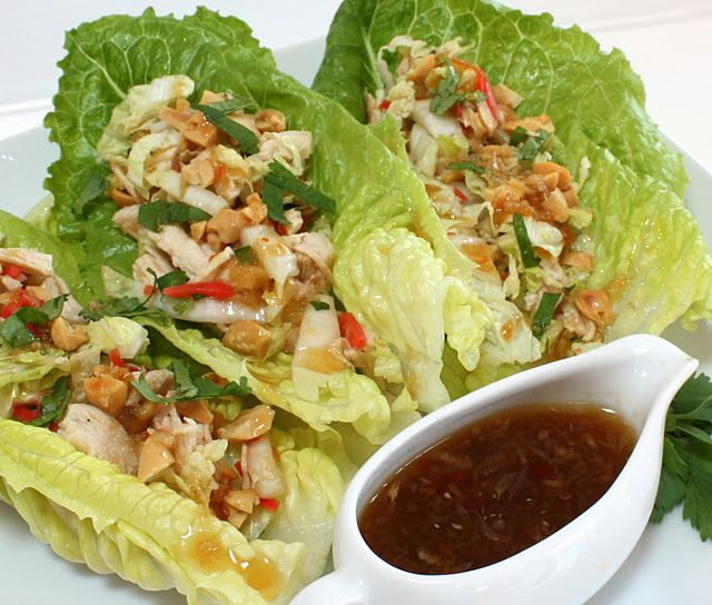 These Ginger Chicken Lettuce Wraps look delicious AND healthy!