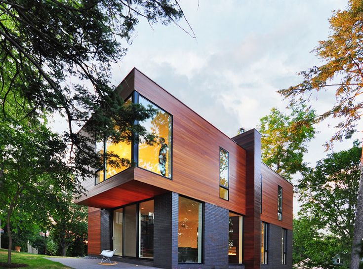 Compact cantilevered house in historic hood | Modern House Designs