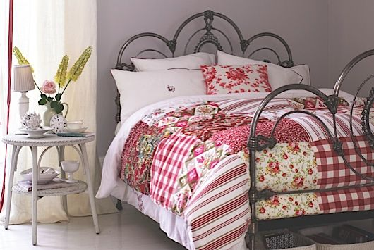 Make your own patchwork quilt | Homes and Antiques -- large red/pink quilt. :)