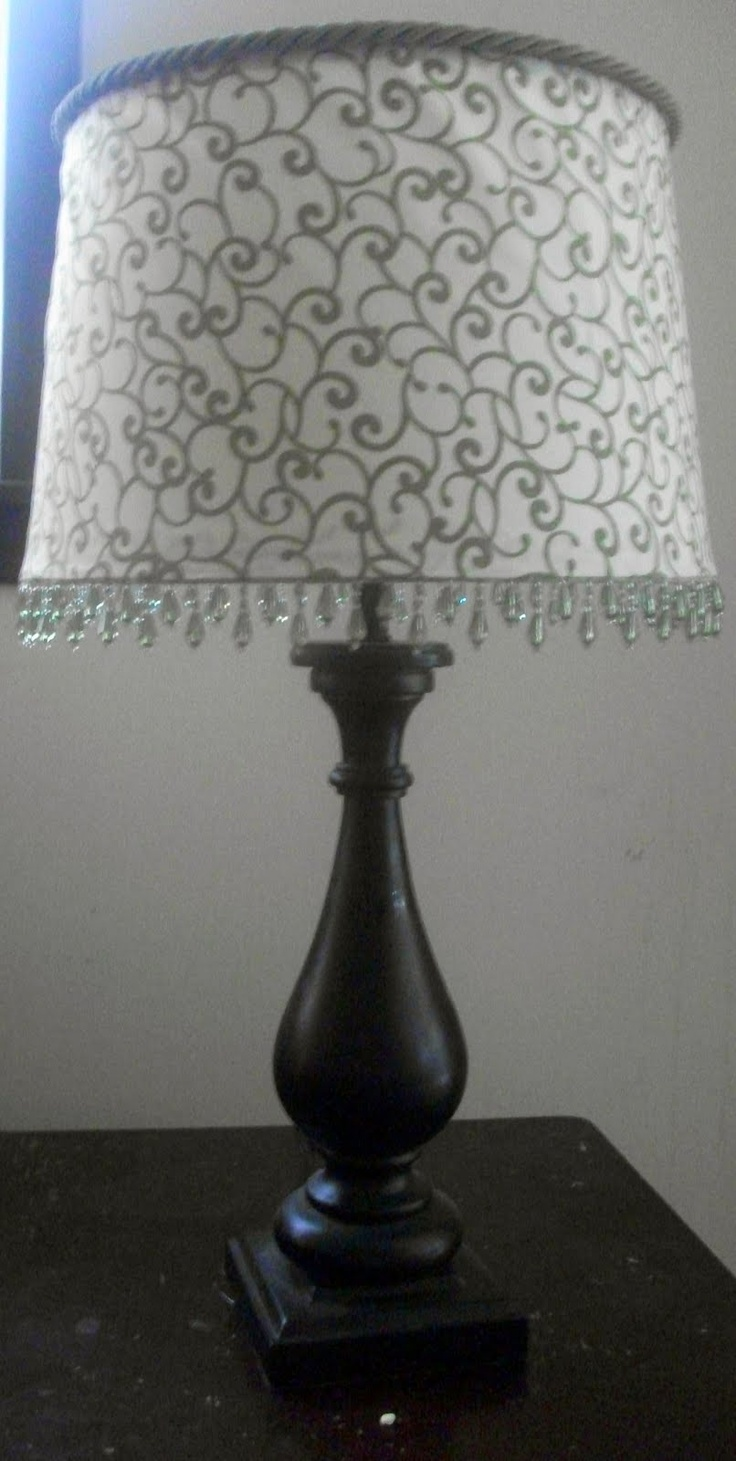 Thrifty Crafty Girl: I've Succumbed to Peer Pressure....a lampshade redo