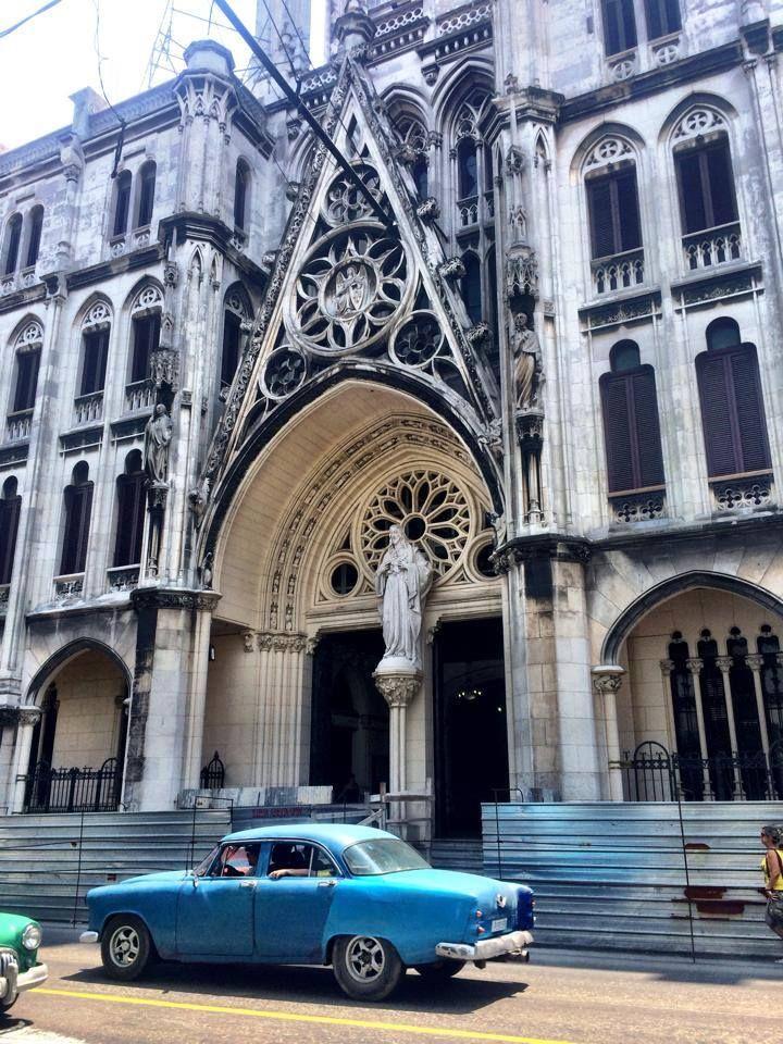 Parroquia del Sagrado del Corazón de Jesús y San Ignacio de Loyola, conocida como Iglesia de Reina. Cuba. (foto por Dani Salazar.)