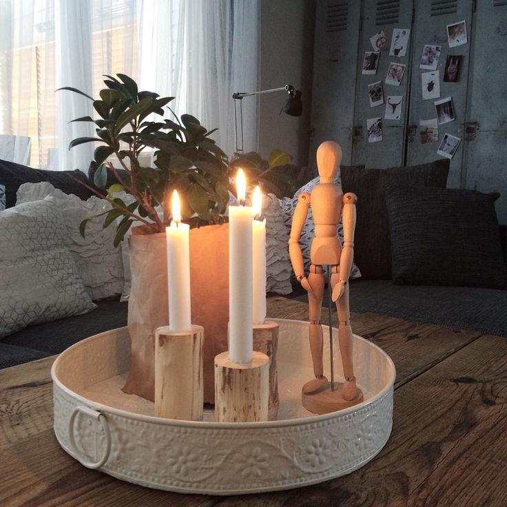 Cozy with candlelight in our livingroom. More pictures at my instagram: houseofstrand
