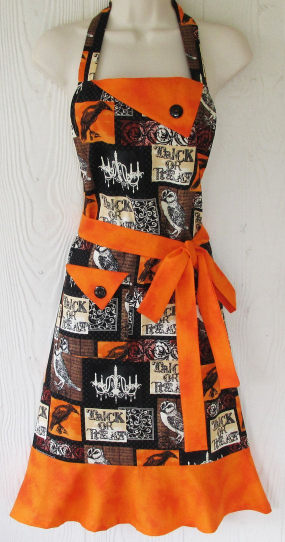Halloween Apron Ravens and Owls Vintage Style by KitschNStyle