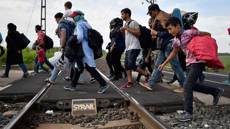 EU targets Poland, Hungary and Czechs for not taking refugees - BBC News