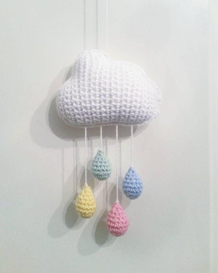 """@mariavirkar på Instagram: """"Glädjeregn. 🌈⛅ #virka #crochet #virkat #crocheting #crochetersofinstagram #crochetersanonymous #moln #regnmoln #regn #regndroppe #regndroppar #mobil """""""