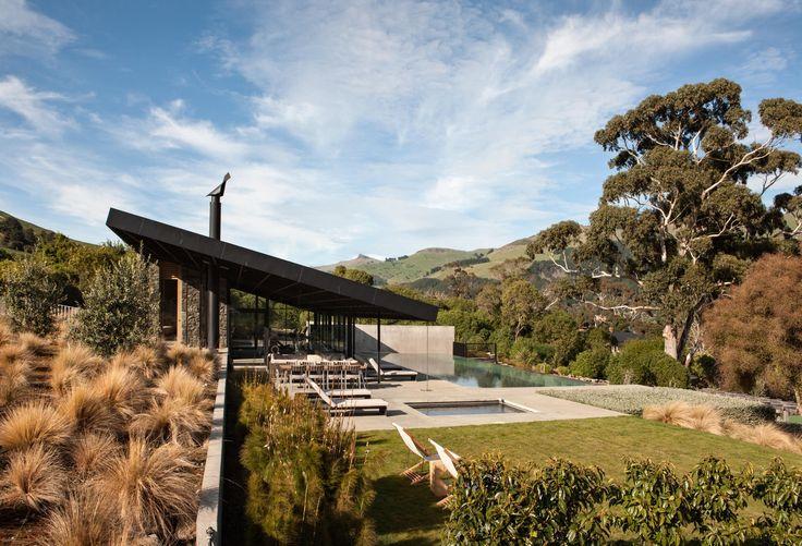 2016 New Zealand Architecture Awards Announced,Annandale Farm; Banks Peninsula / Patterson Associates  . Image © Simon Devitt