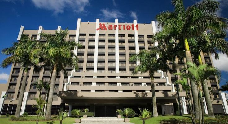 São Paulo Airport Marriott Hotel Guarulhos This Guarulhos São Paulo Airport Marriott Hotel provides transfer service to São Paulo International Airport, which is 3 km away. Features include an outdoor pool, free WiFi, and a full American breakfast.