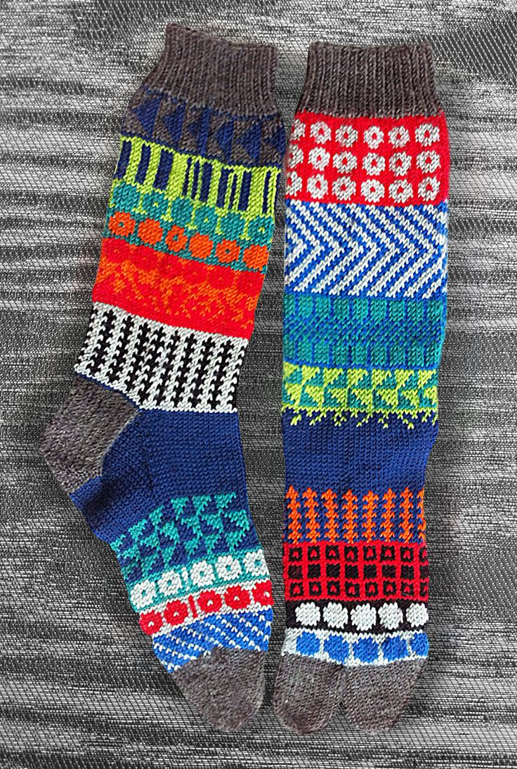 Tabi Socks, Hand Knit Unique Split Toe Socks, Icelandic/Japanese Original Design, Men, Women, Teen, Zori Socks, Geta Socks, MADE TO ORDER c - pinned by pin4etsy.com