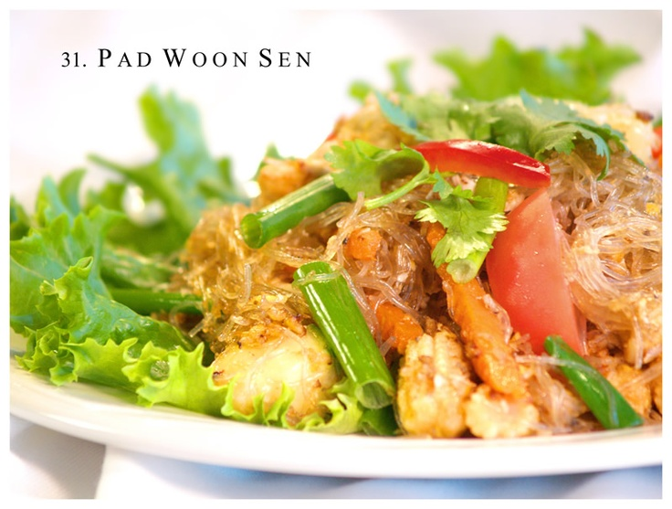 Pad woon sen. Clear vermicelli noodles stir fry.Sen Aka, Pads Woon, Stir Fries Clear Noodles, Foodies Yummy, Pads Thai, Noodles Stir, Food Coma, Woon Sen, Spicy Pads
