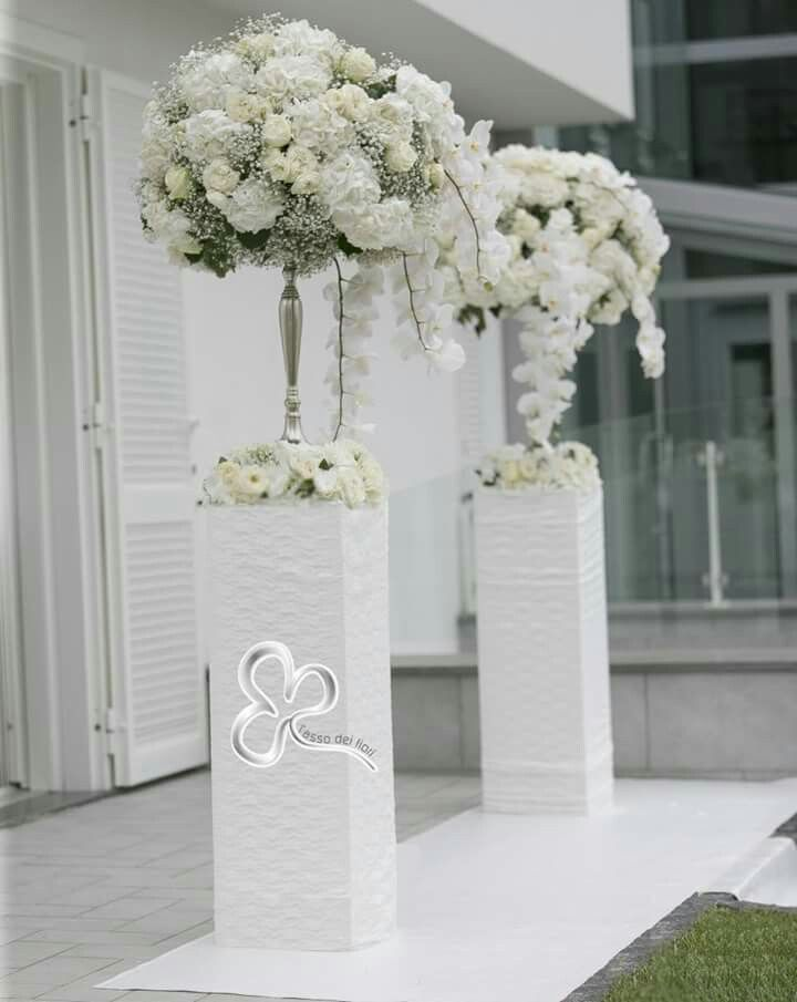 Pi di 25 fantastiche idee su addobbi floreali matrimonio su pinterest decorazioni di nozze - Allestimento casa della sposa ...