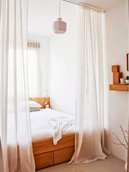 17 beste idee n over kleine slaapkamer op zolder op pinterest slaapkamers op zolder - Hoe een kleine woonkamer te voorzien ...