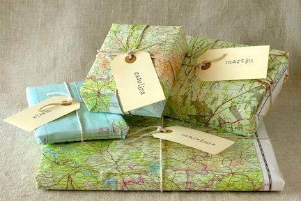 Gifts wrapped in maps <3