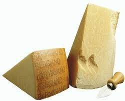 "PARMESAN CHEESE PDO ""PARMIGIANO REGGIANO"" 20-22 MONTHS  Excellent in the filling of traditional stuffed pasta such as tortelli, ravioli and cappelletti, it can also be served alone along with a serving platter of various salami and cured meats and marmalade or jam. Produced from the milk of Red Reggiana Cows, and exclusively worked in the zone of origin according to UE norms"