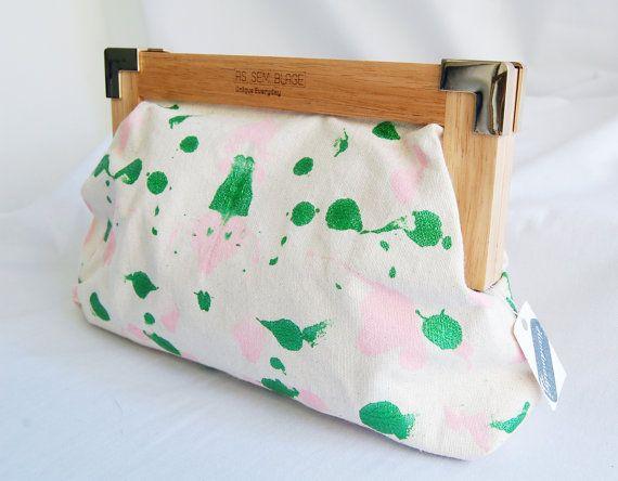 Spring wood Clutch Metallic Green & pink