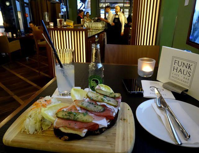 Brote & Kasemit Schwarzwälder Schinken und Gewürzgurken (Bread & Cheese with Black forest ham and pickles) at Funkhaus Car Cafe Restaurant in Cologne
