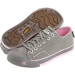 So cute! I must buy these. I {heart} Keen.