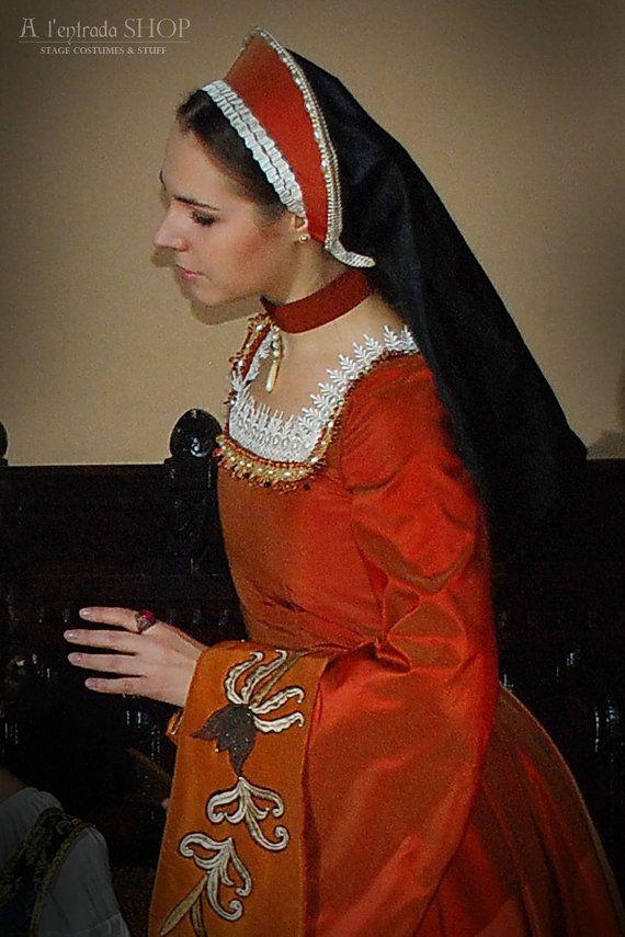 Historical Renaissance dress Anna Boleyn style. by AlentradaSHOP