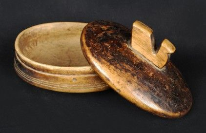 Lozi, Zambia Material: Wood Height: 15cm Width: 21.5cm Early 20th Century