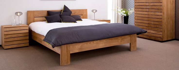 Teakhouten meubelen zijn al een tijdje in opkomst, maar ze lijken dit jaar definitief door te breken.