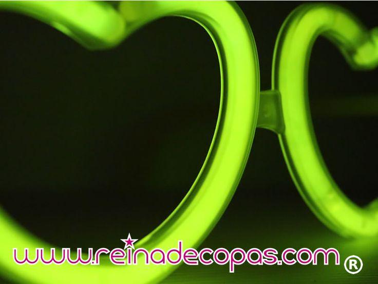 Gafas Luminosas en forma de Corazón, reutilizables una y otra vez, disponibles en varios colores.  http://www.reinadecopas.com/es/15-gafas-luminosas