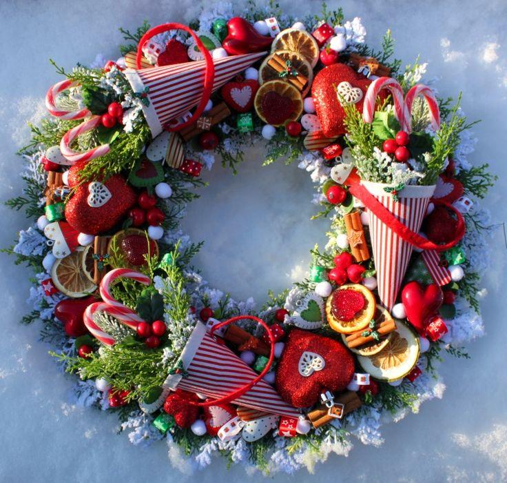 Wianek wi teczny z ro kami i sercami dekoracje na bo e for Christmas decoration 94