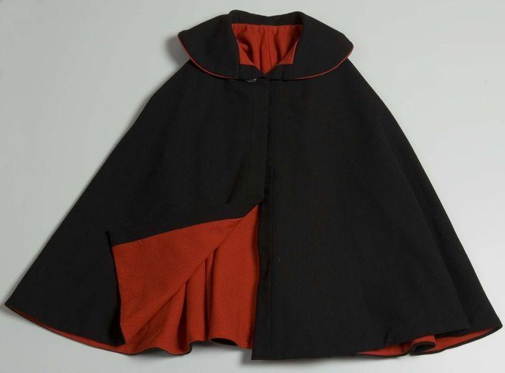 DigitaltMuseum - halvlang cape til Vestfoldbunad 1956-modell