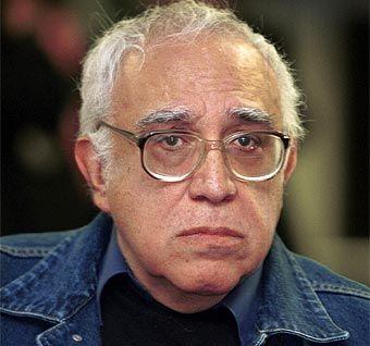 Carlos Monsiváis (Ciudad de México, 1938 - 2010) Ensayista, cronista y narrador mexicano considerado una de las inteligencias más lúcidas de la cultura de su...