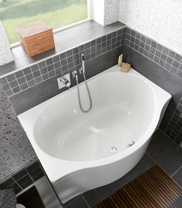 Die durchschnittliche Badezimmergröße beträgt nicht einmal 8 m². Nicht selten beengen schmale Nischen oder platzraubende Vorsprünge das Bad zusätzlich. Auf so kleinem Raum sind eine durchdachte Badarchitektur und optimierte Produkte erforderlich.