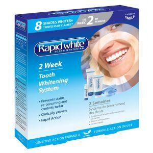 Rapid White Kit 2 weken  Description: Wittere tanden in twee weken met Rapid White Het Rapid White 2 Week Tandenbleek Systeem is een milde behandeling met mondstukken waarmee uw tanden tot wel 8 tinten witter worden in slechts 14 dagen! Rapid White 2 Week Tandenbleek Systeem Het Rapid White 2 Week Tandenbleek Systeem is een milde behandeling met mondstukken waarmee uw tanden tot wel 8 tinten witter worden in slechts 14 dagen! Het systeem is ontworpen voor thuisgebruik. Op een eenvoudige en…