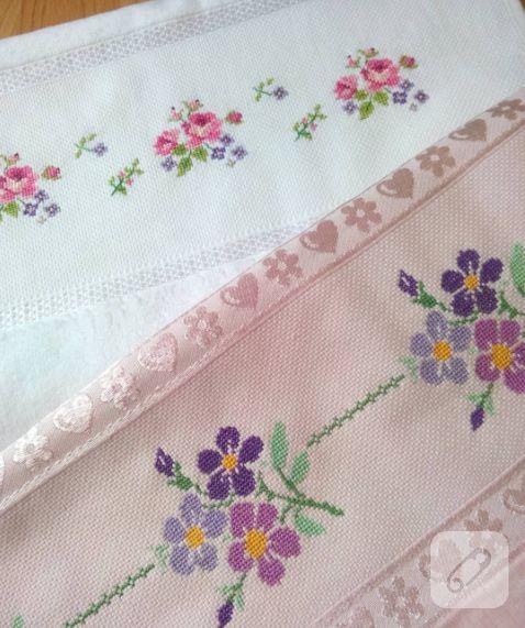 kanaviçe havlu kenarı örnekleri çok güzel. narin renklerde çiçek modelleri işlenmiş havlu kenarı modelleri 10marifet.org'da sizi bekliyor.