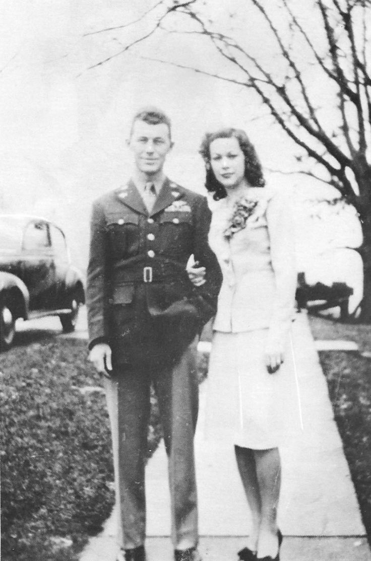 Glennis and Chuck Yeager on their wedding day 1945