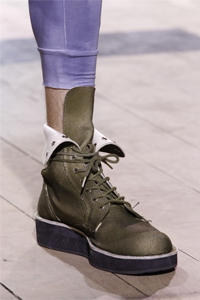 Yohji Yamamoto does men a favour with flatforms!